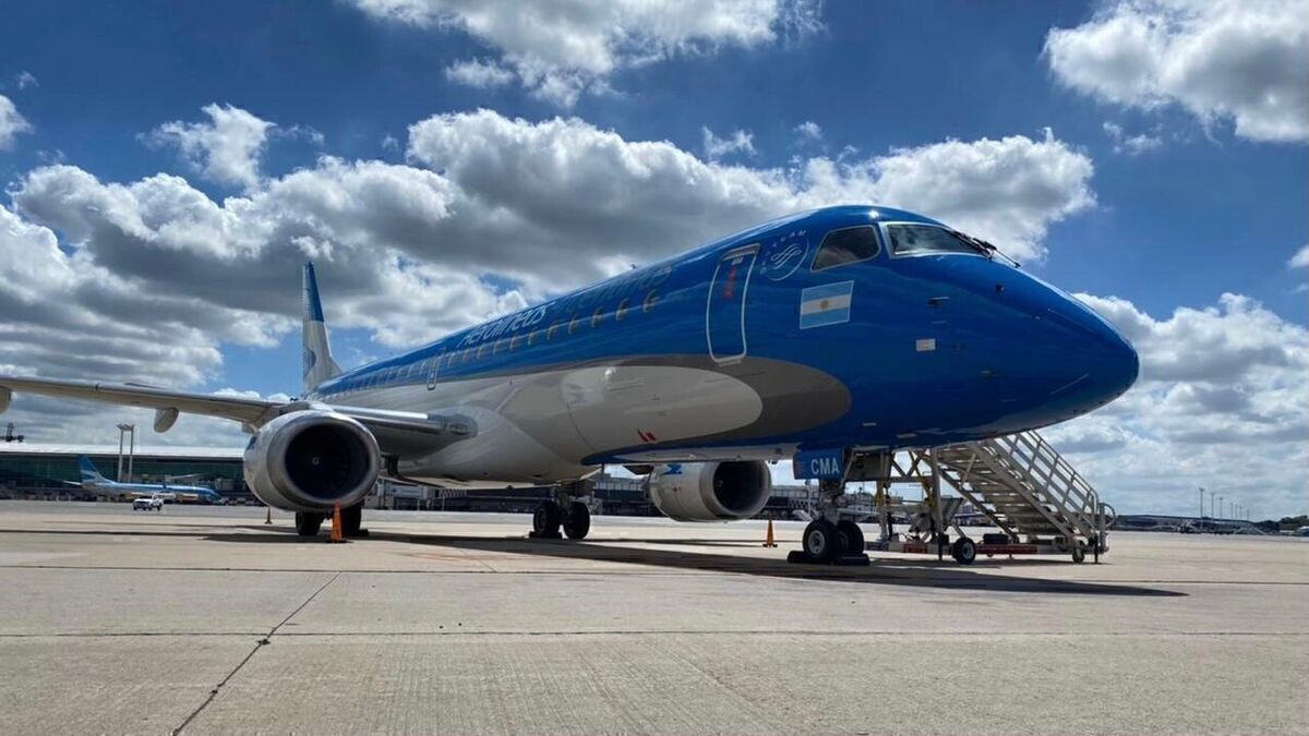 Aerolíneas Argentinas Introduces New Livery For The Embraer E190