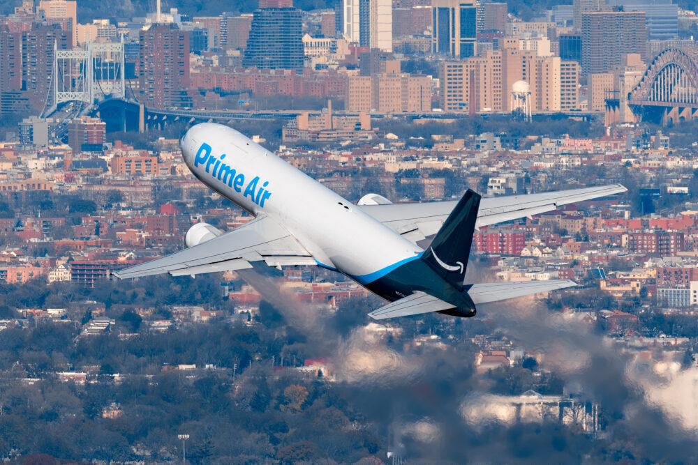 Amazon Air Boeing 767-323(ER)(BDSF) N313AZ