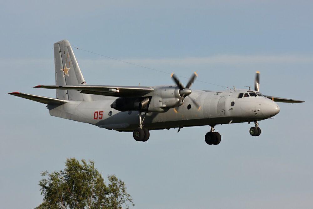 Antonov_An-26...,_Russia_-_Air_Force_AN1552245
