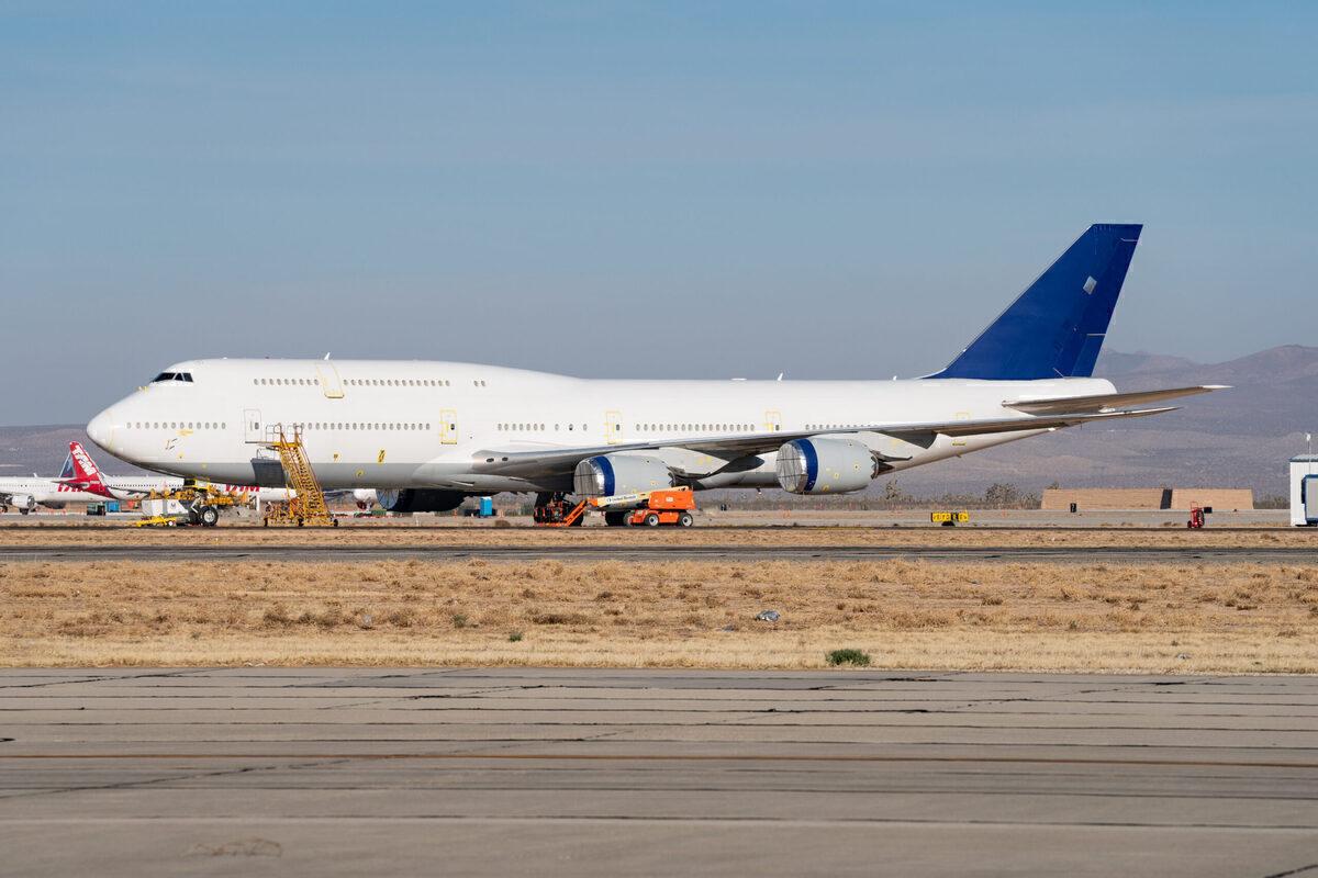 Boeing, Passenger 747-8, Sale