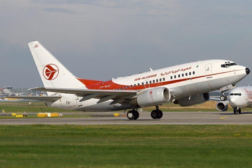 Air Algerie B737-600