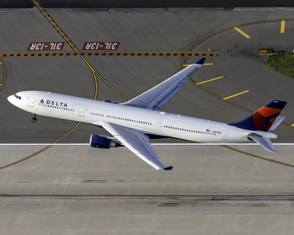 Delta A330 JFK