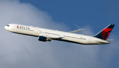 Delta Air Lines Boeing 767-432(ER) N836MH (2)