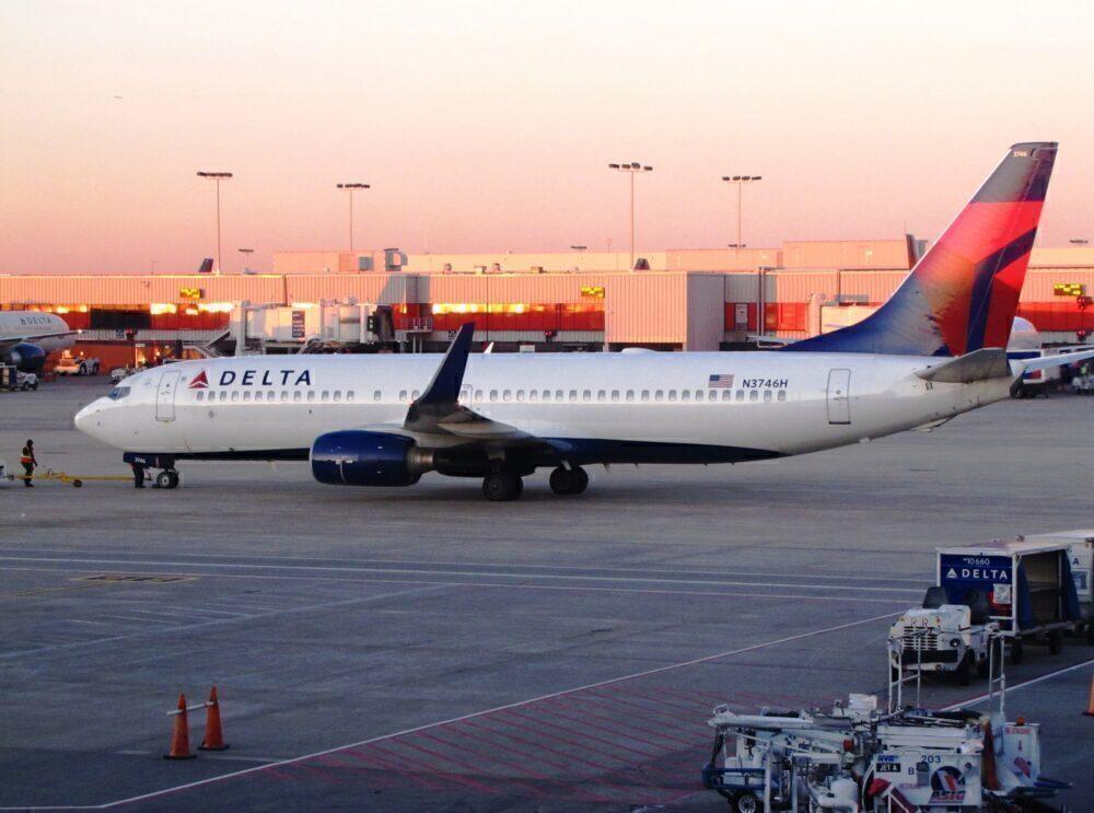 Delta B737-800