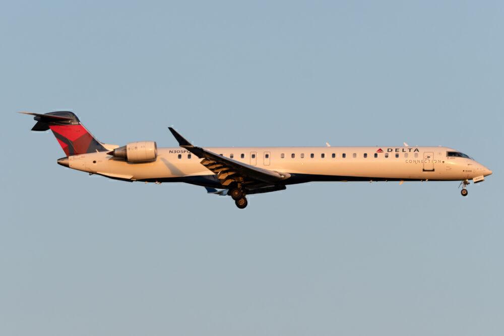 Delta Connection CRJ