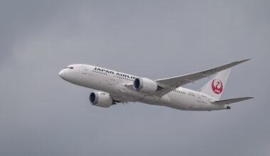 JAL Japan Airlines 787-8