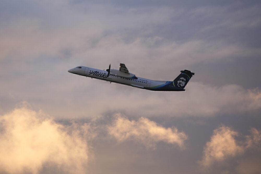 Alaska Q400