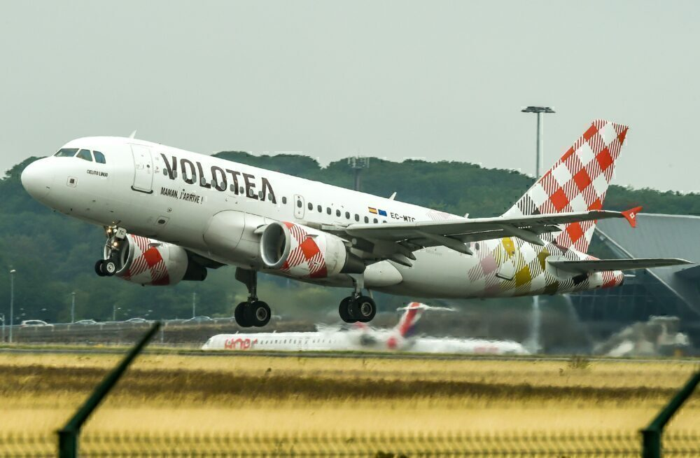 Volotea Wet Leases An Alaska Airlines Airbus A320