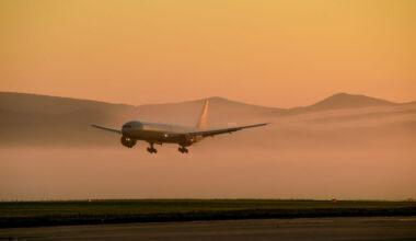 Boeing 777 Sunrise Landing Getty