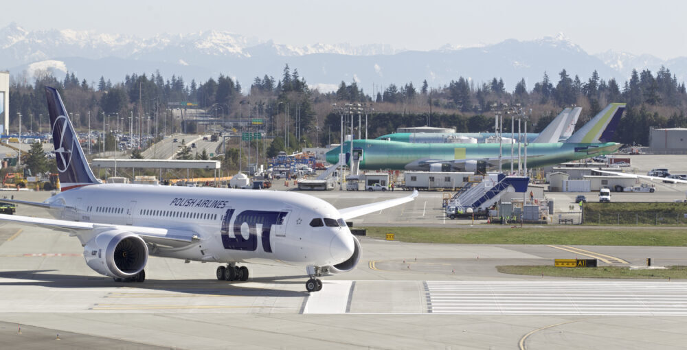 Boeing 787 Deliveries May Be Delayed Into October