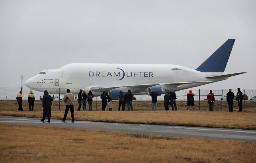 Dreamlifter 747 Cargo Plane Lands At Wrong Airport