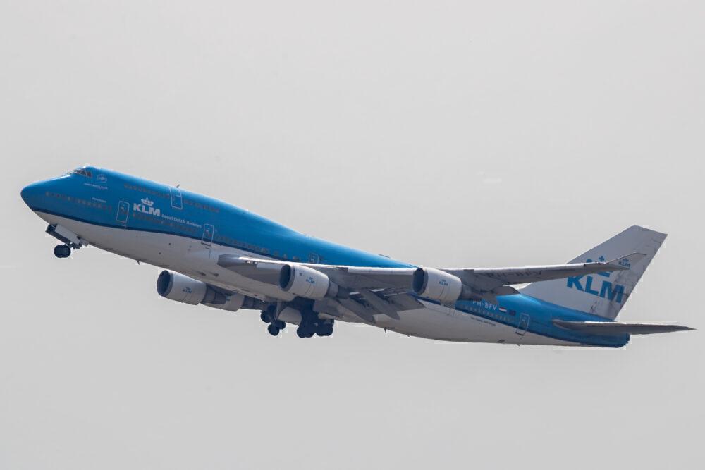 KLM 747-400M combi