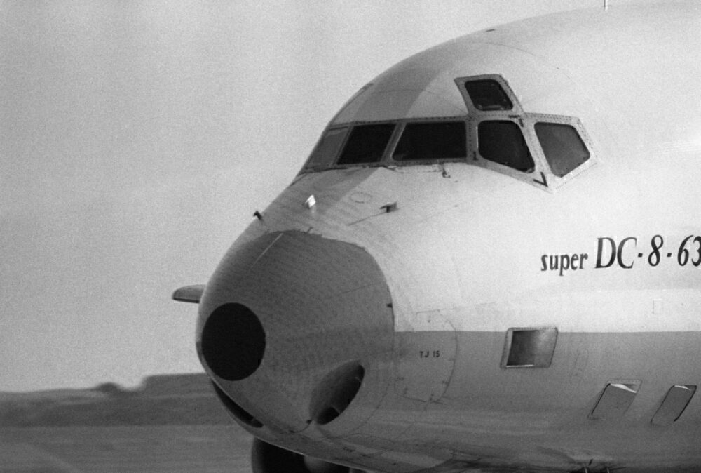 Avion quadriréacteur super DC-8