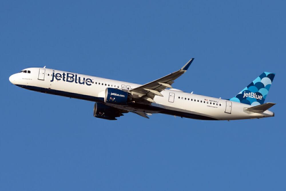 JetBlue Airways Airbus A321-271NX N2044J (2)