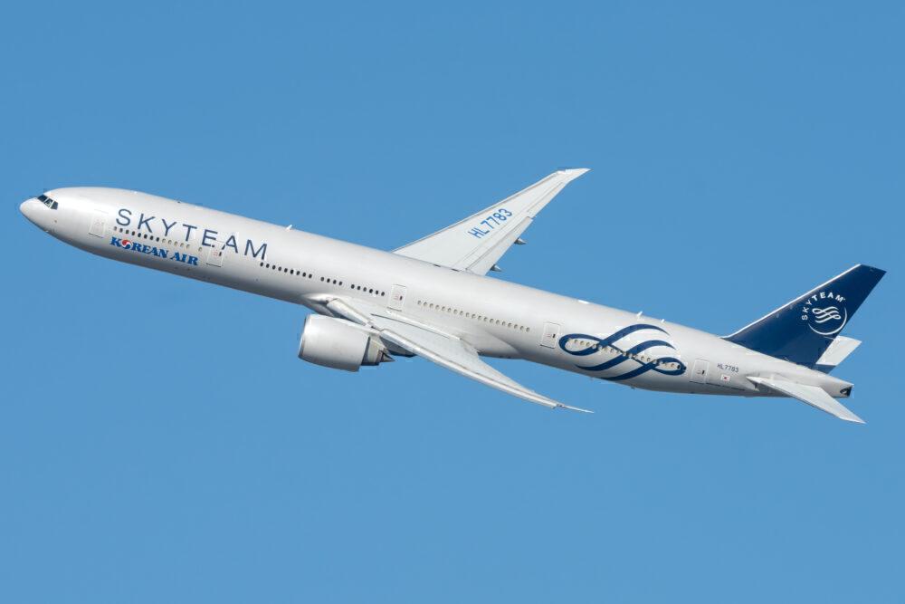 Korean Air (SkyTeam Livery) Boeing 777-3B5(ER) HL7783