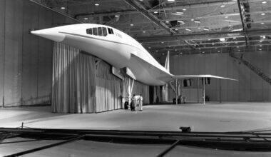 Lockheed_L-2000