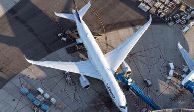 Lufthansa A350 on the ground at Newark