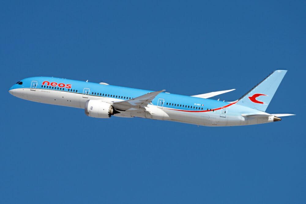 Neos Boeing 787-9 Dreamliner EI-NEU (3)