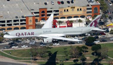 Qatar Airways A350 Landing at LAX