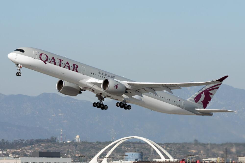 Qatar Airways Airbus A350 departs from Los Angeles Ineternational