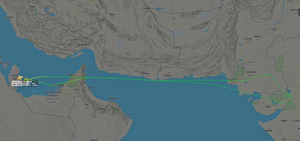 Qatar-Airways-Boeing-777-Tire-Damage