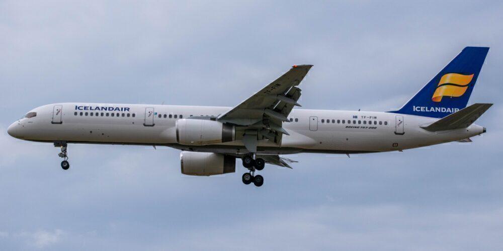 Icelandair B757