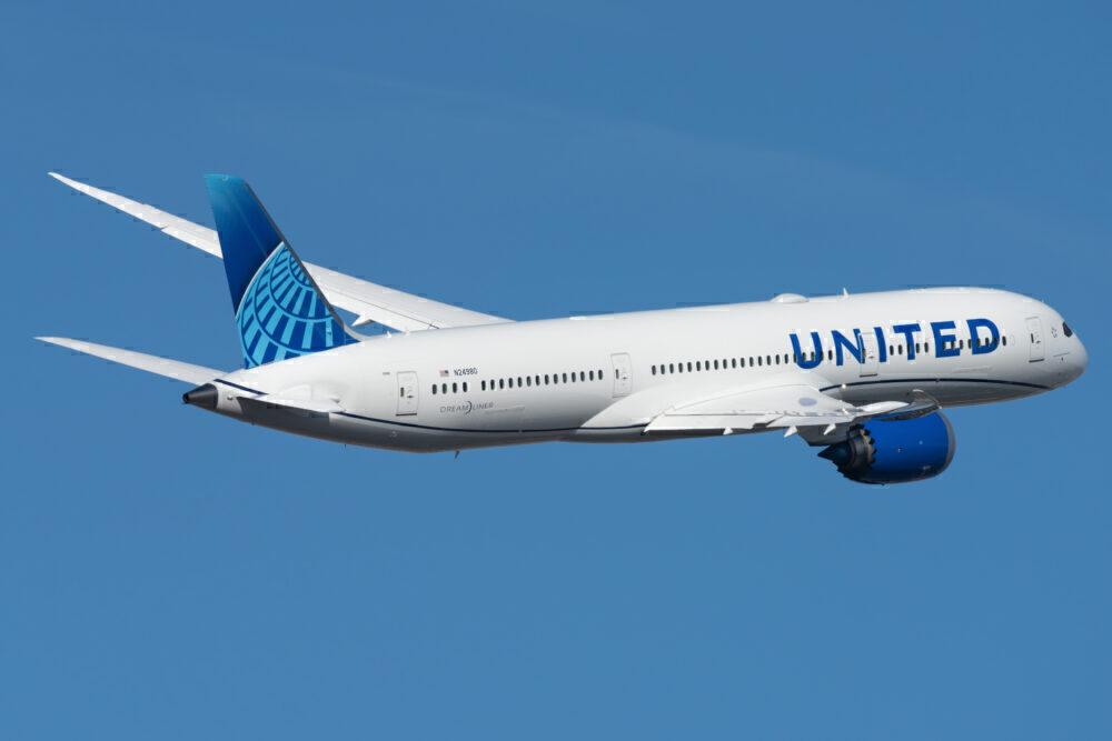 United Airlines Boeing 787-9 Dreamliner N24980
