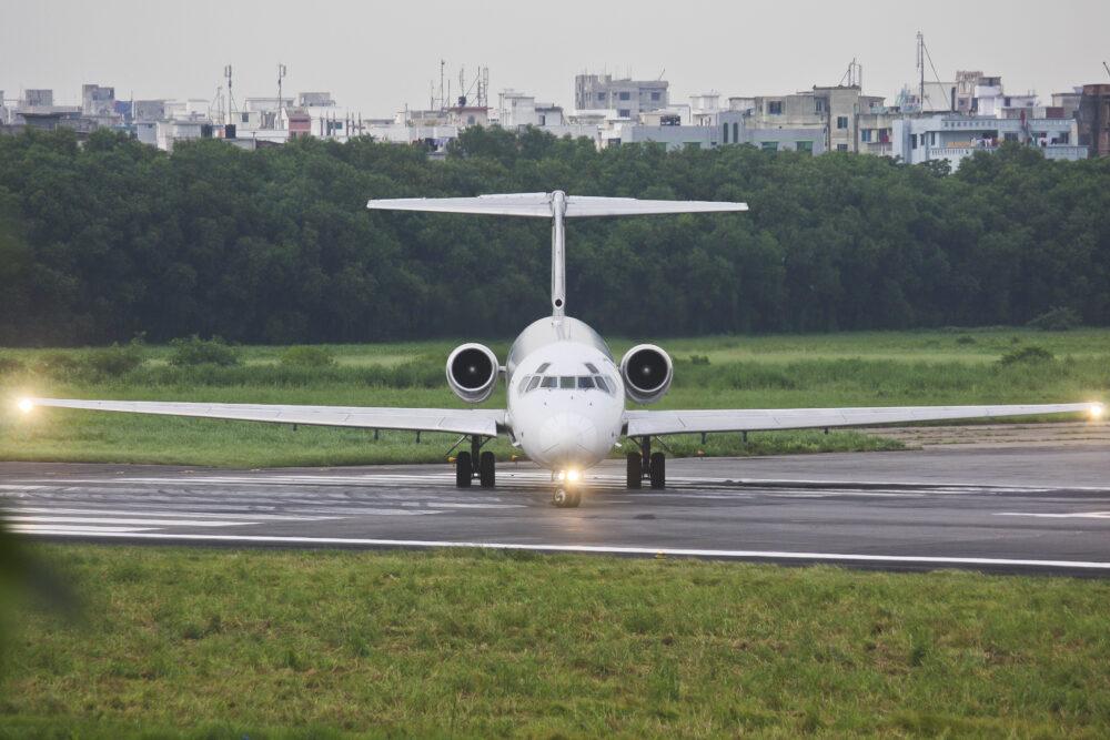 United Airways McDonnell Douglas MD-83