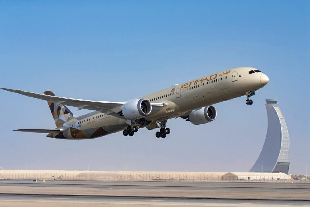 Etihad Being dreamliner