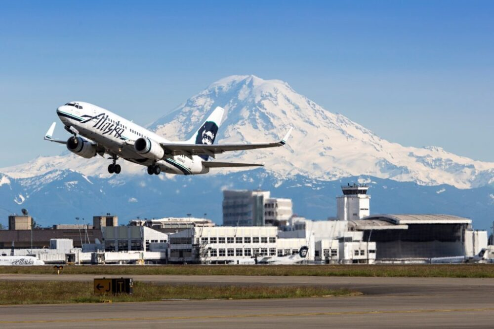 Alaska Flight Disrupted By Violent Passenger Who Urinated On A Seat