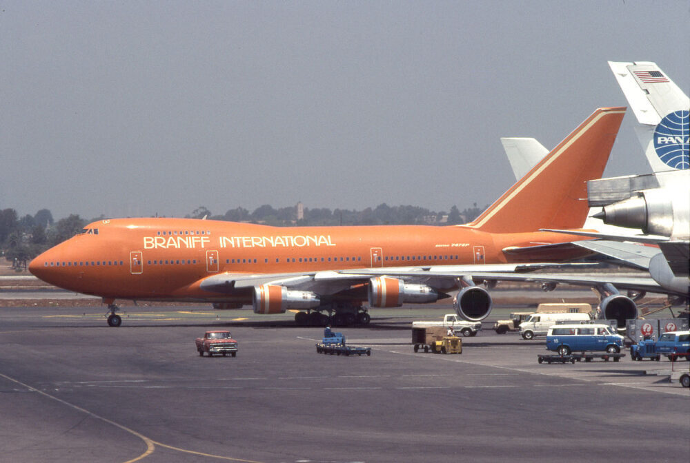 Braniff Boeing 747SP