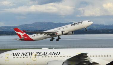 Qantas and Air New Zealand Aircraft