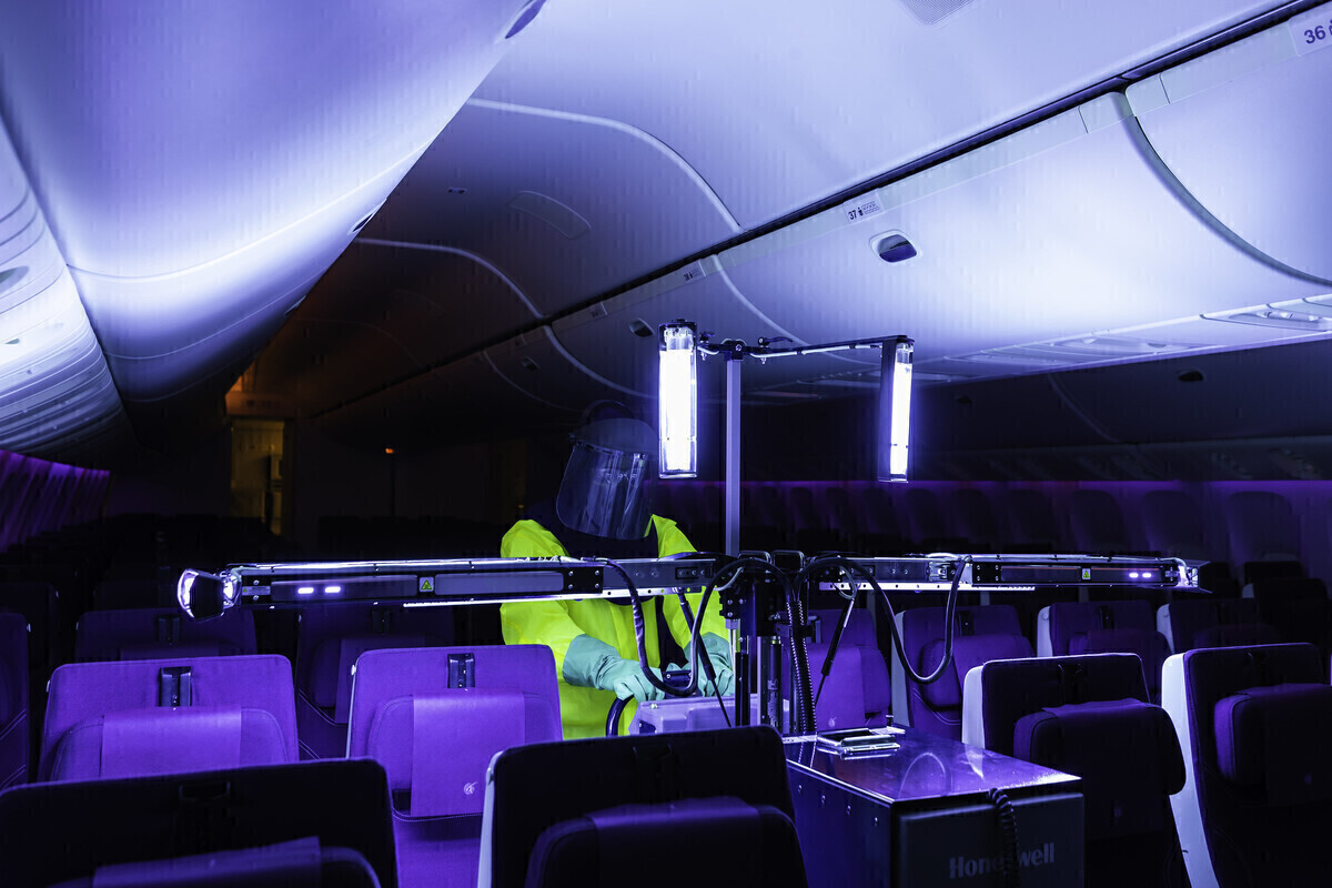 Qatar Airways, Ultraviolet light, COVID-19