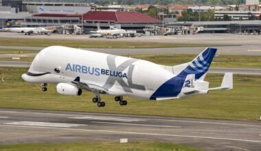 Airbus-50th-anniversary-Formation-flight-–-BelugaXL-lands-_1_