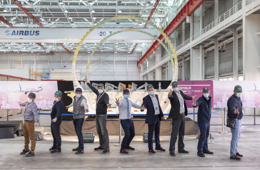 Airbus-Teams-celebrating-the-first-CWB-delivery