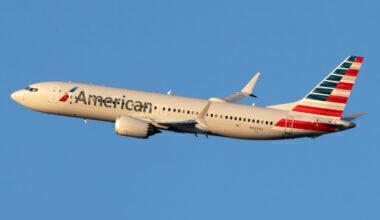 American Airlines Boeing 737 MAX 8 N323SG (4) (1)