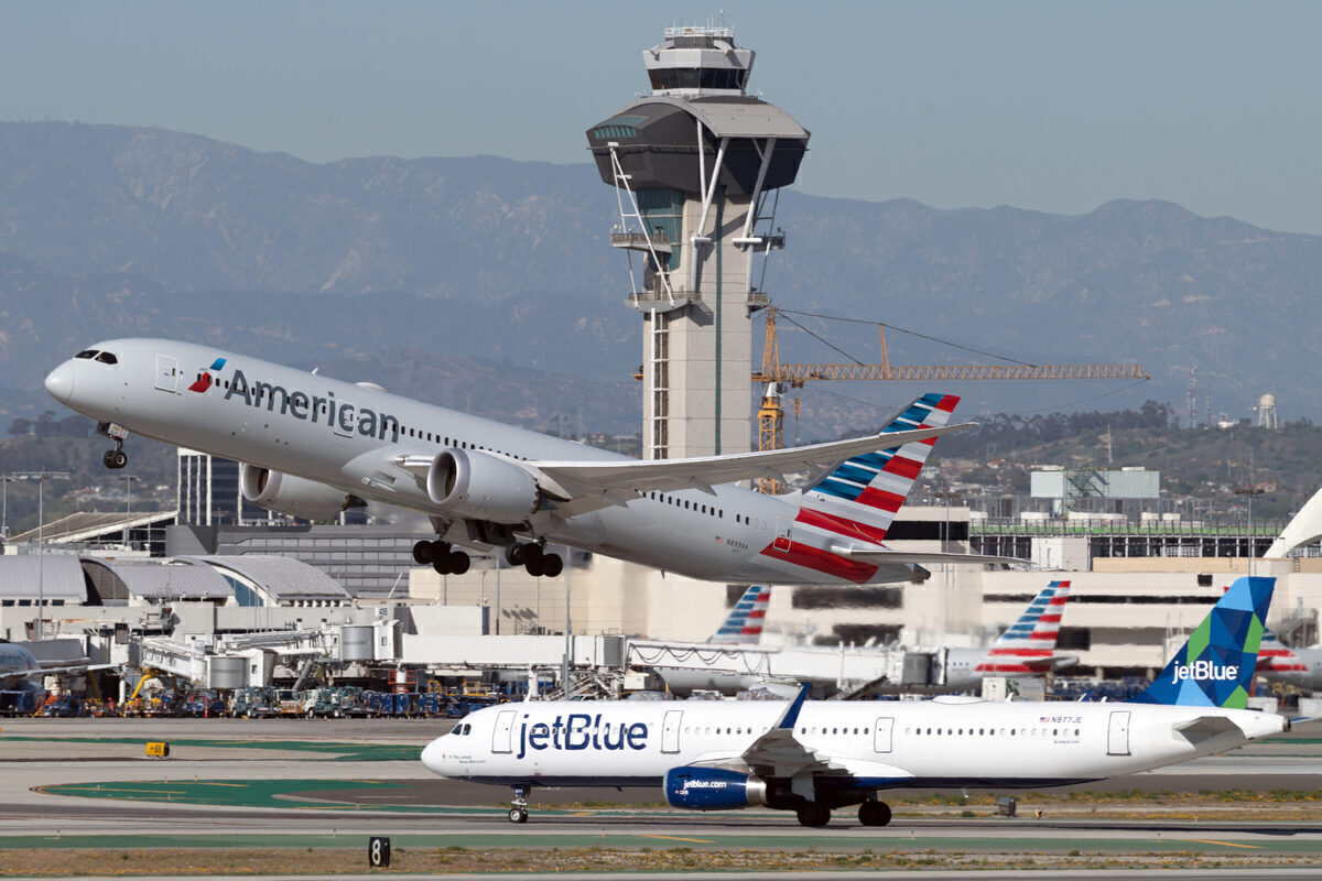 JetBlue And American Airlines Plan Massive Northeastern Expansion
