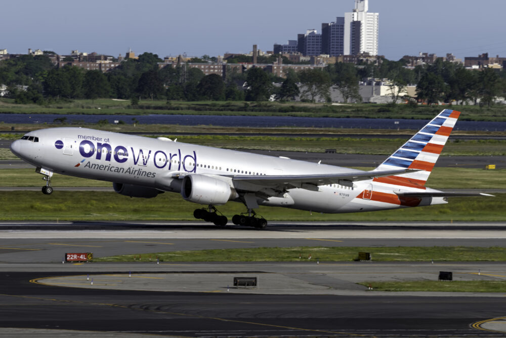 American Airlines B777-200