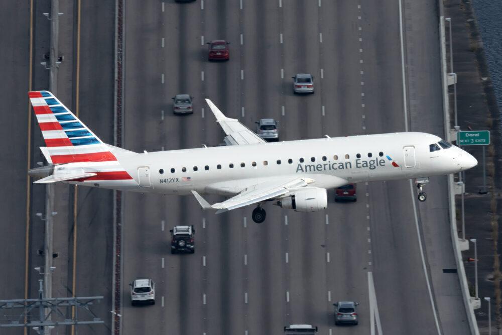 American Embraer E175LR