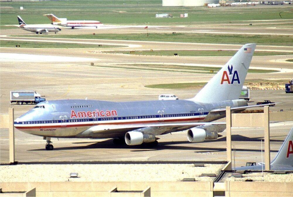 American Boeing 747SP