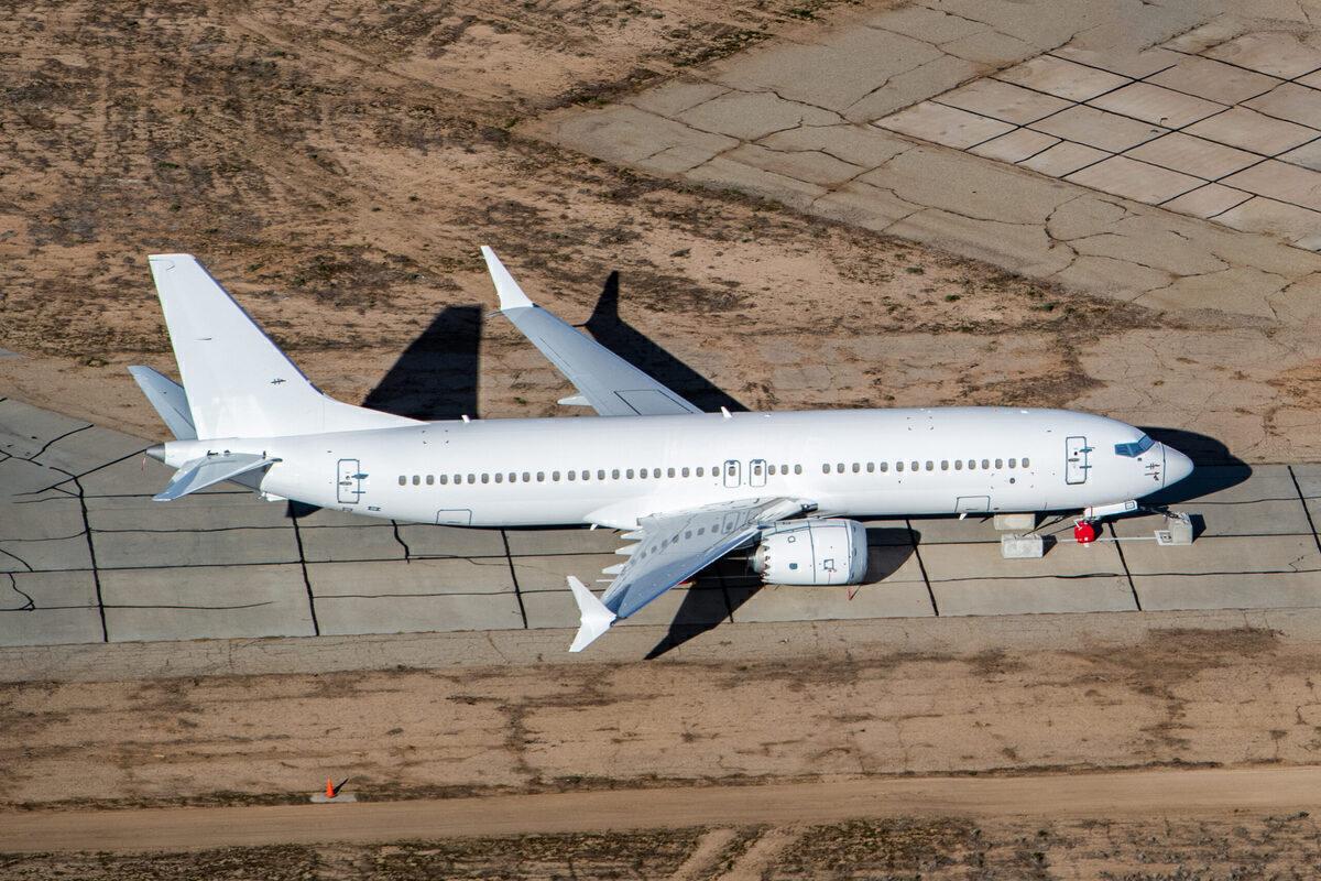 Boeing, 737 MAX 8, Dubai Aerospace Enterprise