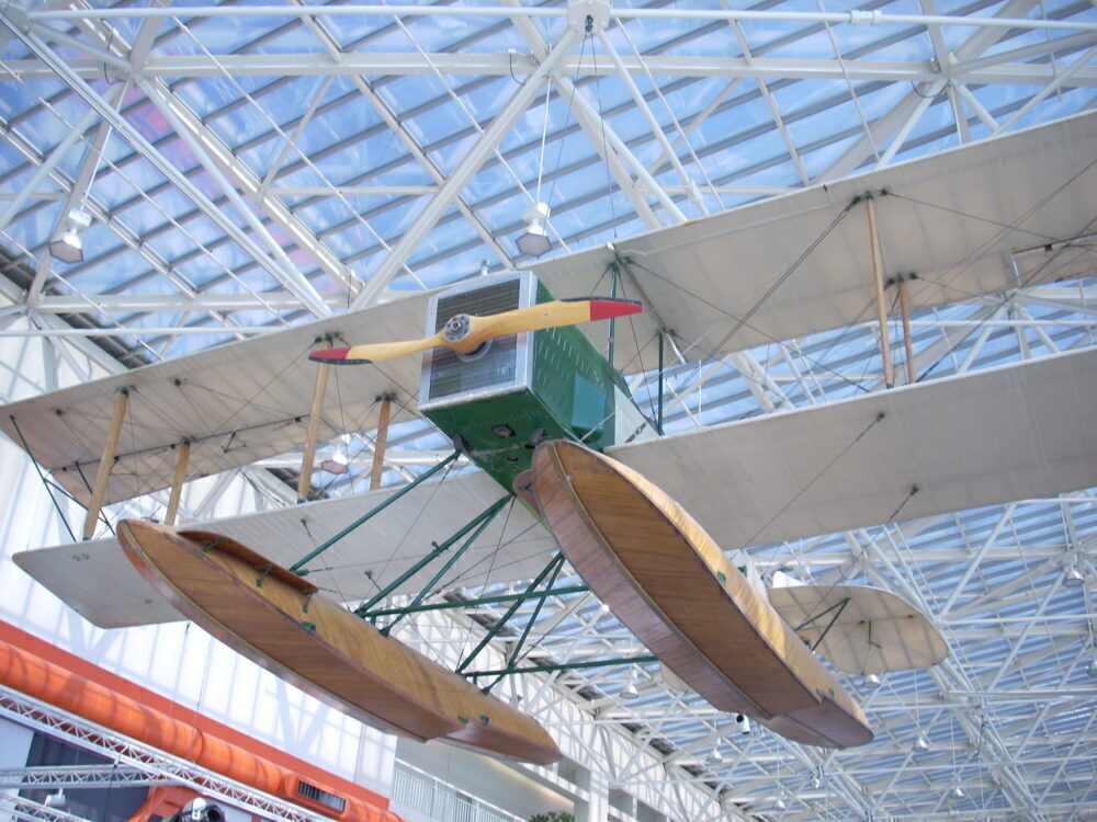B&W seaplane
