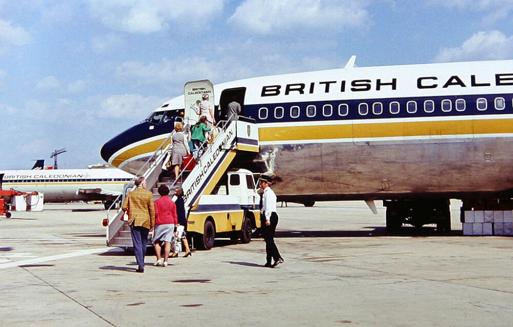 British_Caledonian_Boeing_707_at_Gatwick