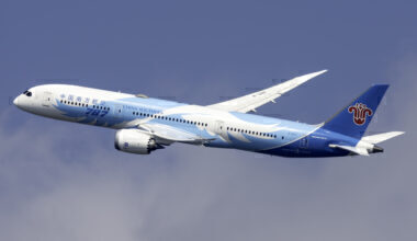 China Southern Airlines Boeing 787-9 Dreamliner B-1297 (2)