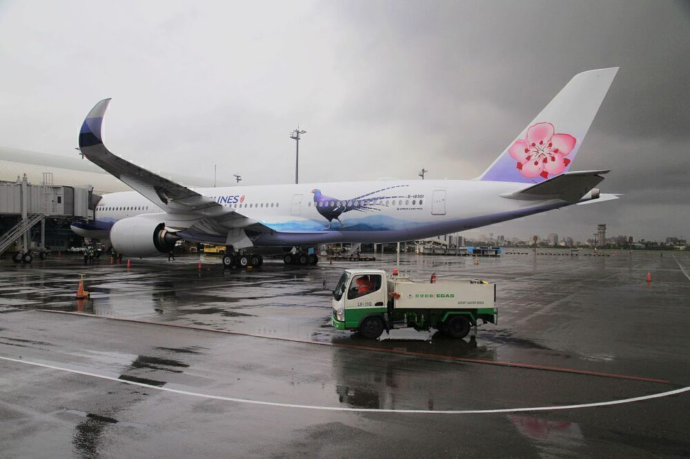 China Airlines Flies Thousands Of Bees To Vancouver