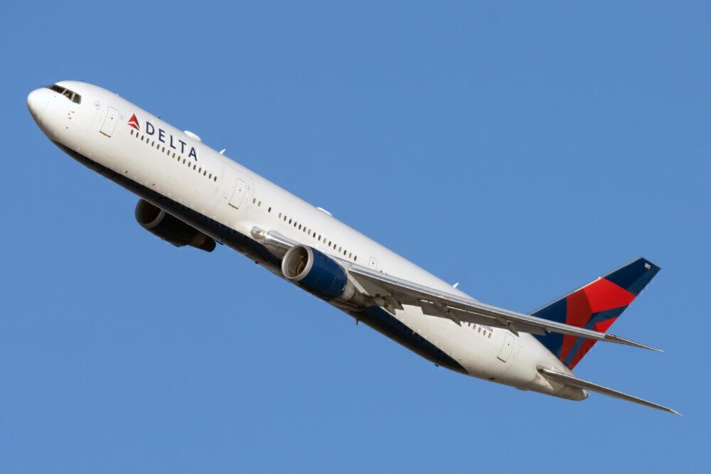Delta B767-400ER