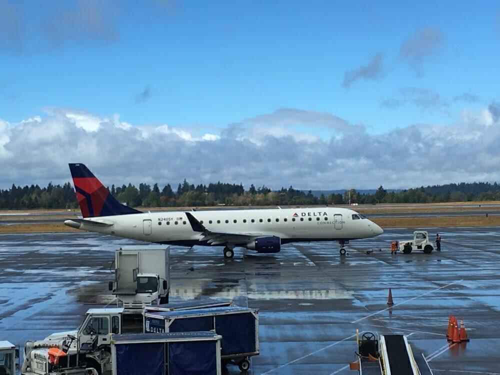 Delta Connection Embraer E175