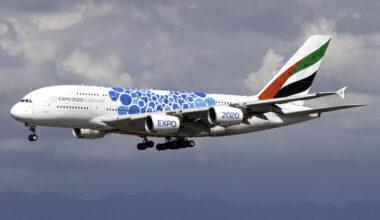 Emirates Airbus A380-861 A6-EOC