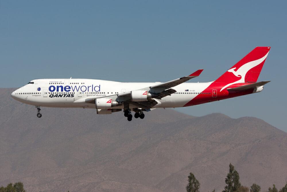 Qantas 744