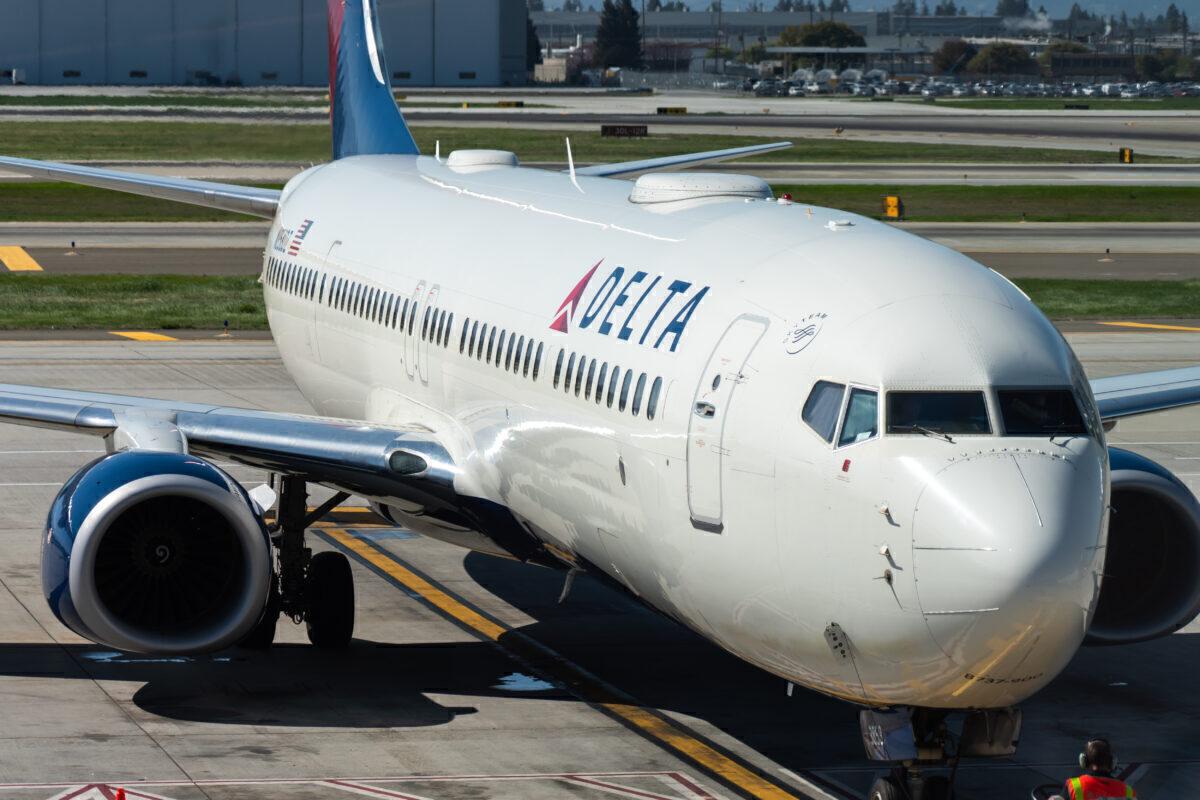 Delta B737-900